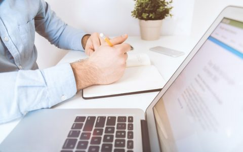 The Advantages of Hiring Copywriting Services Companies